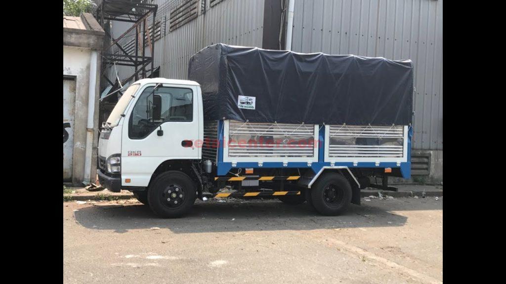 xe tải isuzu 2t4 thùng mui bạt