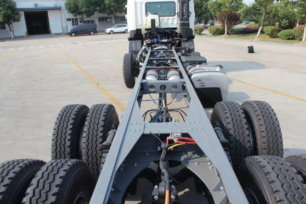 Xe tải jac 4 chân