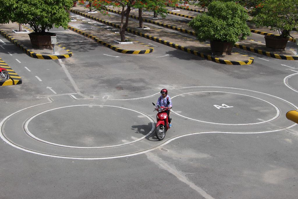 thực hành thi bằng lái xe máy hạng a1